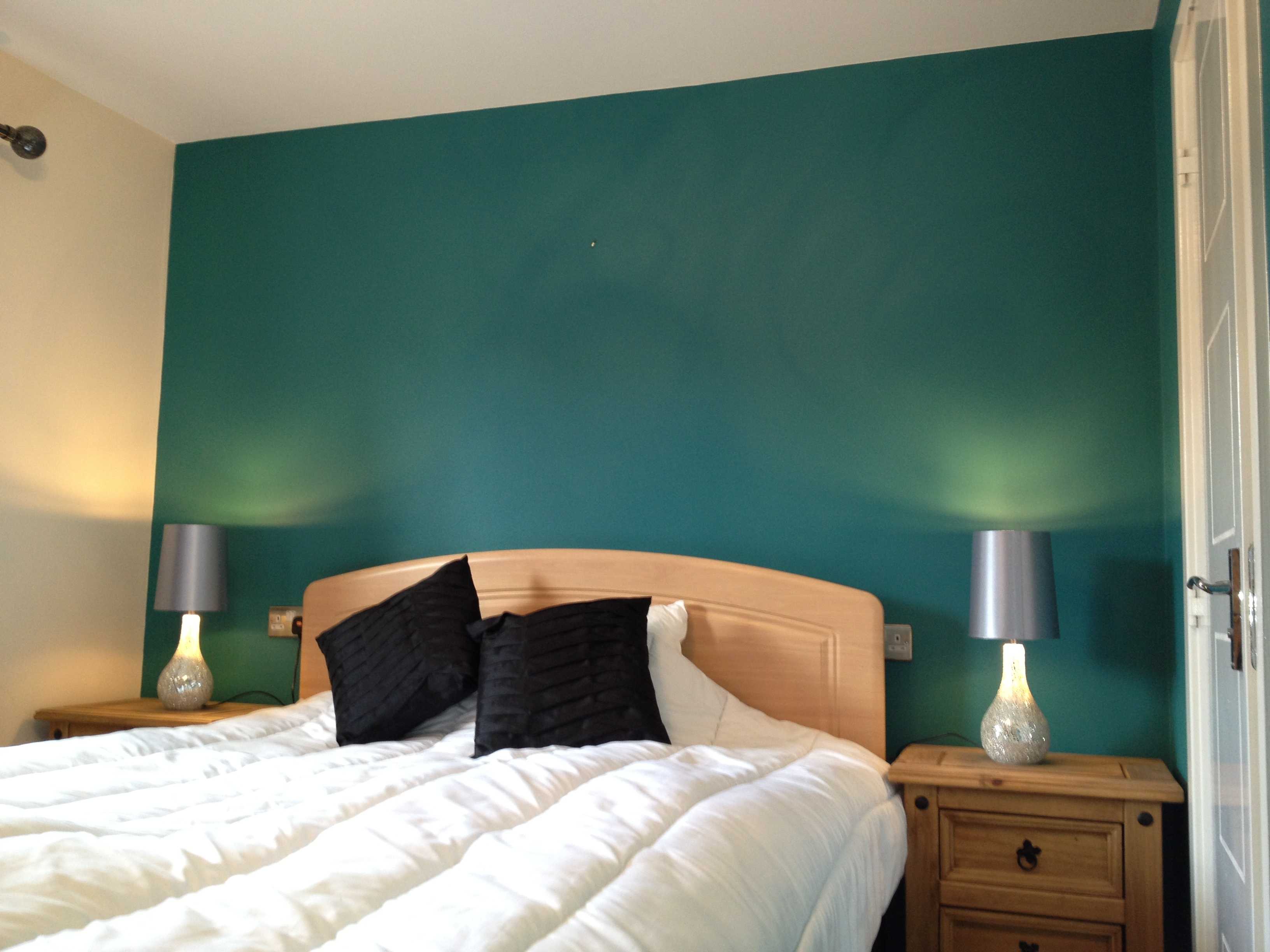 Bedroom Accent Wall Home Amp Commercial Decorating Services Hull East